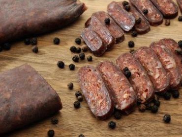 Месни деликатеси и висококачествени колбаси  | Орхание Мийт ЕООД